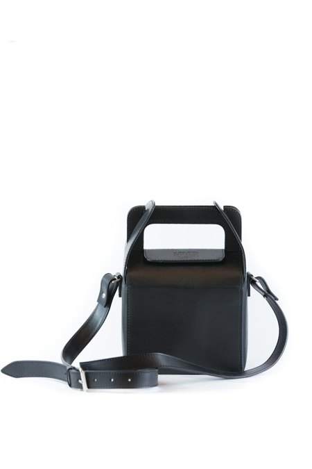 BOX SHAPED SHOULDER BAG