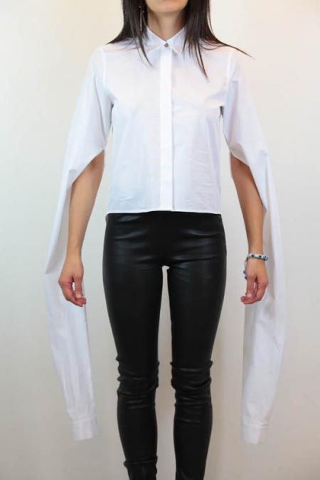 oversized sleeve cropped shirt