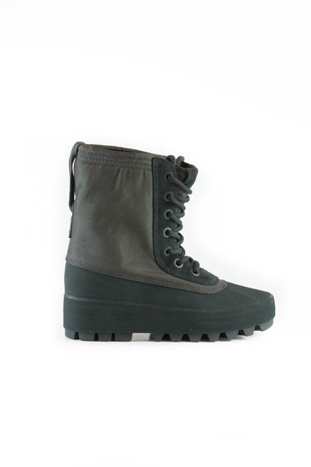 Yeezy 950 Pirate Black Woman
